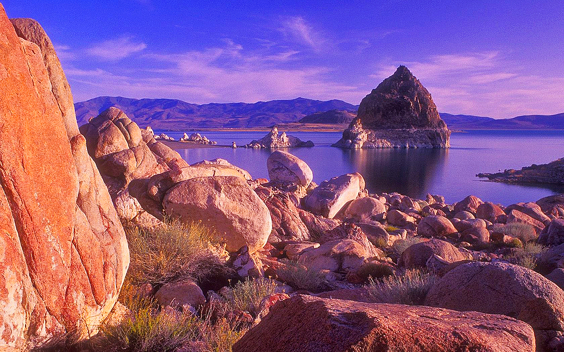 The most beautiful desert lake in America